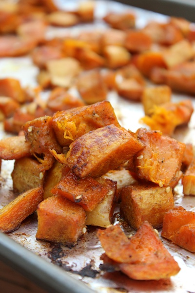 Roasted Honeynut Squash with Za'atar and Pomegranate Molasses| www.tastyoasis.net