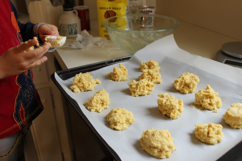 Maple-Cornmeal Drop Biscuits from Dorie Greenspan are quick and easy to make, and would be perfect for breakfast, afternoon tea, or in your bread basket next time you have company for dinner. | www.tastyoasis.net
