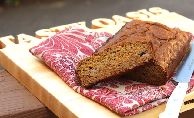 Whole Wheat Banana Bread with Coconut Sugar is a heathy treat, quick to put together, easy to make, refined sugar-free and freezer-friendly.| www.tastyoasis.net